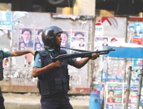 Will the police be able to tackle the violence ahead? Photo: Star File