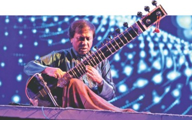 Ustad Shahid Parvez Khan performs at the Bengal ITC-SRA Classical Music Festival 2012.  File Photo