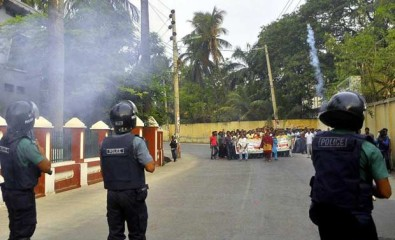 Police fire teargas shells and rubber bullets to disperse a BNP procession in Rajshahi city during the first day of 18-party-enforced 36-hr shutdown. Photo: Star