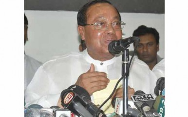 BNP standing committee member Moudud Ahmed speaks at a programme of Swadhinata Forum at Jatiya Press Club on Friday. Photo: Focus Bangla