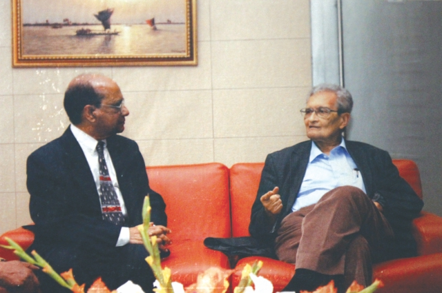 With Nobel laureate Amartya Sen. Photo courtesy: Shamsuzzaman Khan