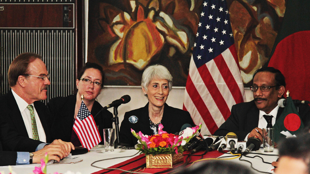 Wendy R Sherman, US under secretary of state for political affairs (2nd from right), speaks at a press briefing at State Guest House Meghna in the capital Monday afternoon. Photo: SK Enamul Huq