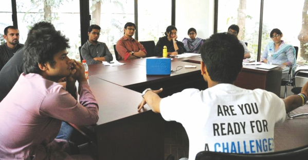 Fellow Anurag Maloo from Teach For India meets with the Campus Ambassadors of Teach For Bangladesh. Photo Courtesy: Teach for Bangladesh