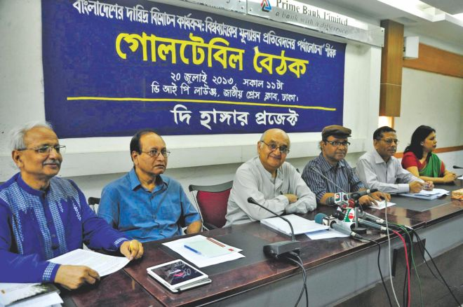 From left, Badiul Alam Majumdar, country director of the Hunger Project; Mustafa K Mujeri, director general of Bangladesh Institute of Development Studies; Prof Rehman Sobhan, chairman of Centre for Policy Dialogue; MM Akash, a professor of economics at Dhaka University; Prof Mustafizur Rahman, executive director of CPD; and Iffath Sharif, senior economist of the World Bank, attend a roundtable on poverty, at the National Press Club in Dhaka yesterday.  Photo: Stars