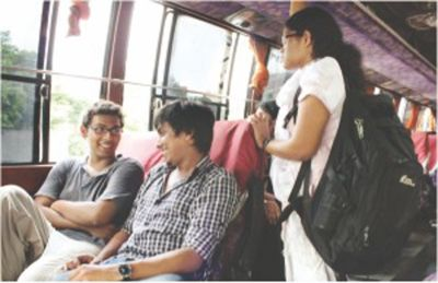 5 Types of People You'll Meet on a Bus 3
